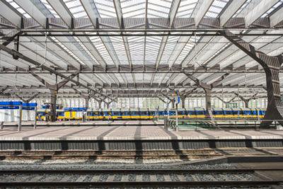 Nederland, Rotterdam, 11-05-2016 Centraal Station Rotterdam perrons, treinen en overkapping. foto: Ronald van den Heerik/Hollandse Hoogte